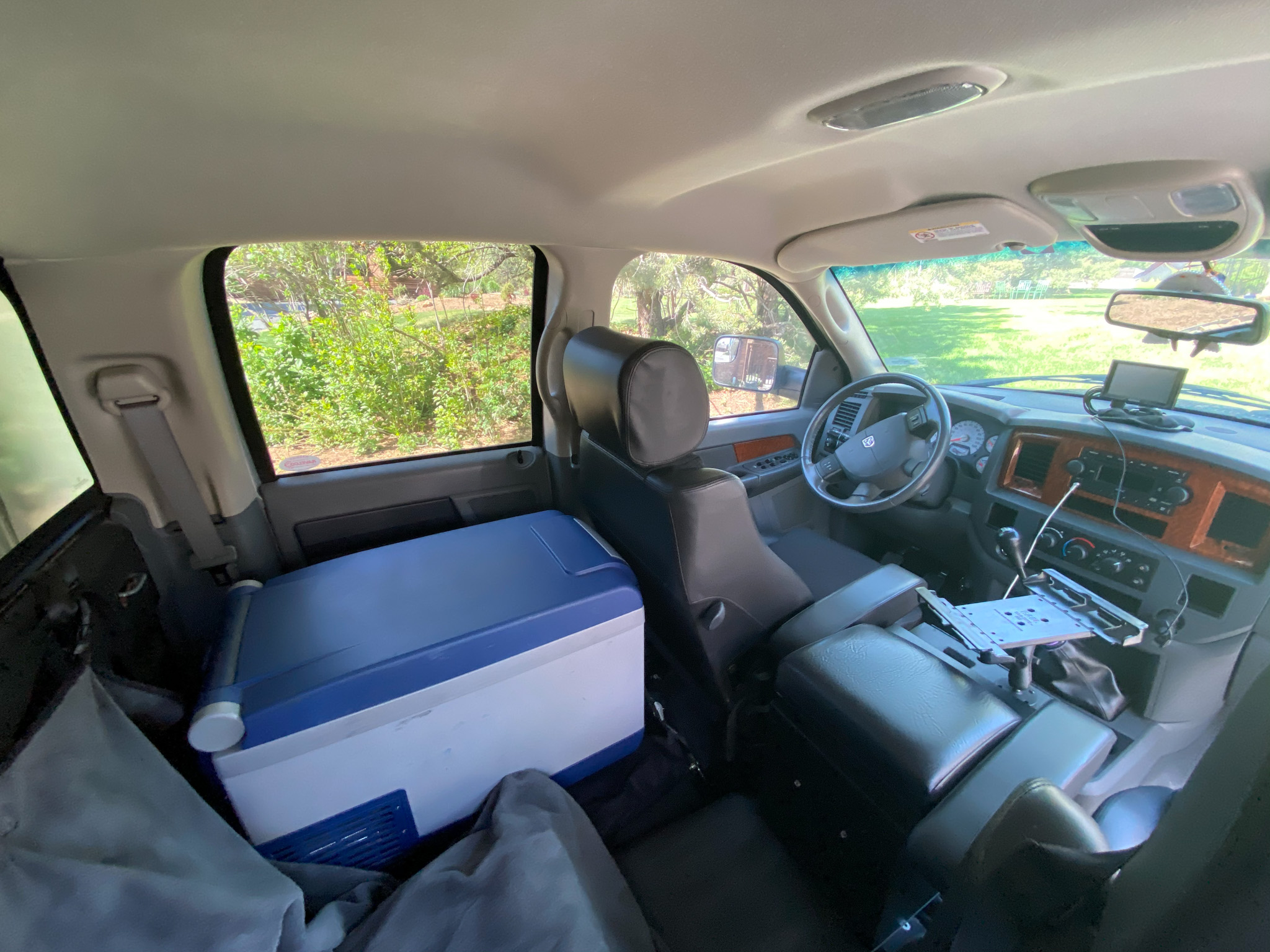 Picture 5 (Cab of Truck0.jpg